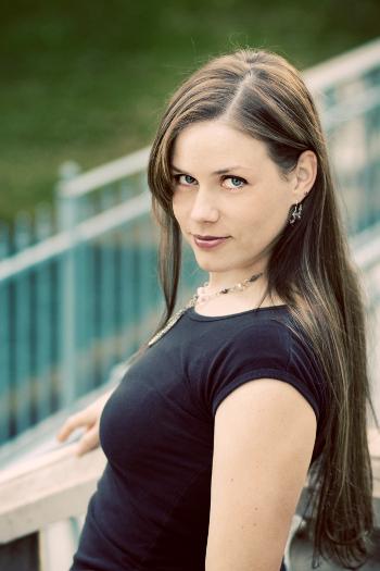 Aprilynne Pike Portrait